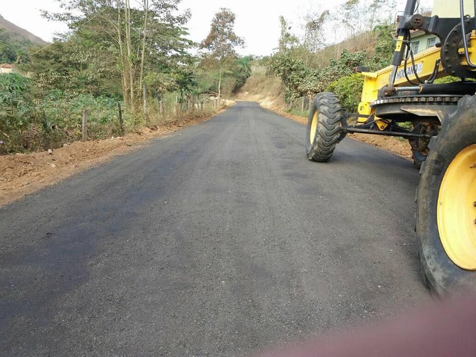 asfaltamento de um trecho da estrada principal guiricemaxcruzeiro 3
